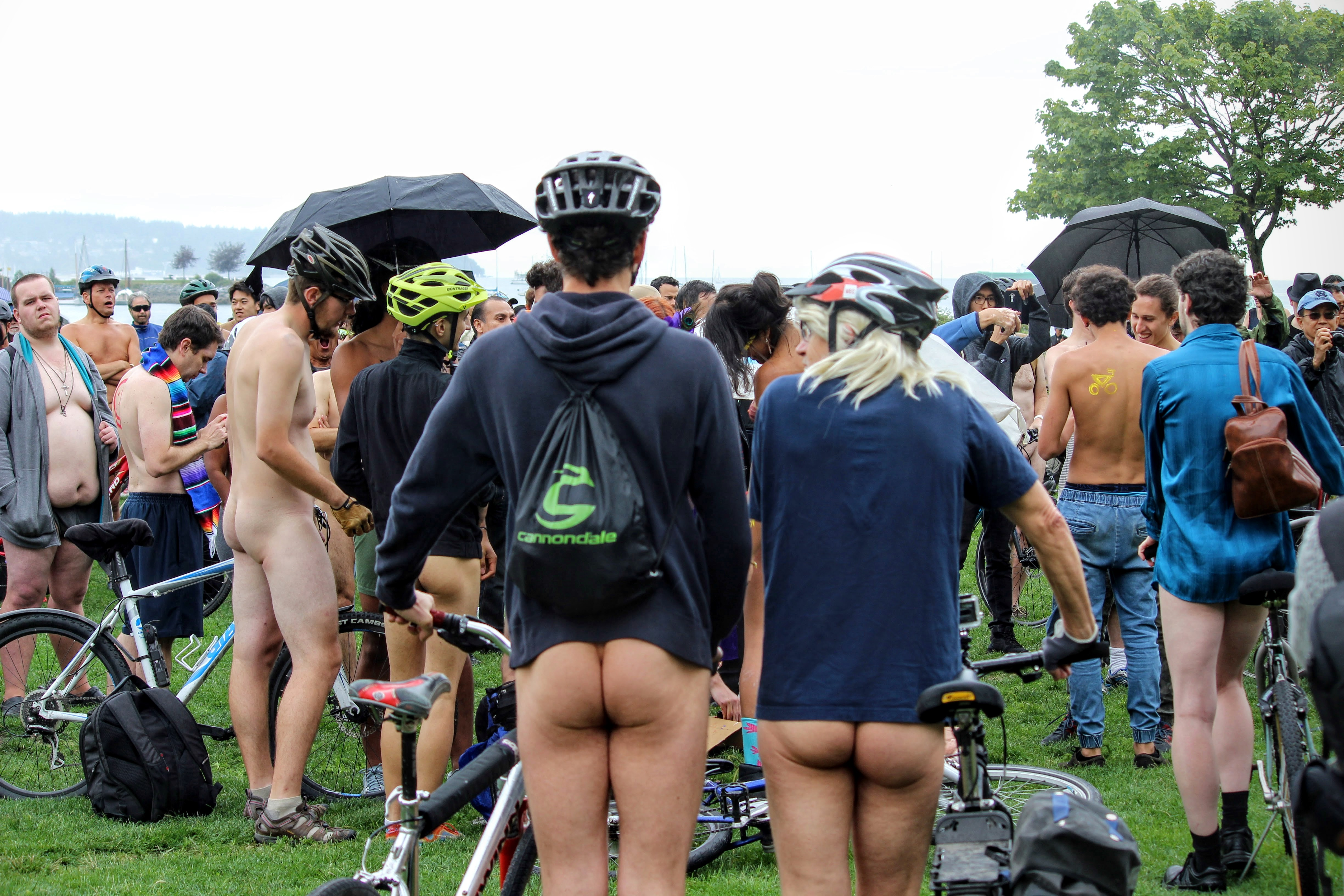 """Naked bike ride, under the motto """"less gas, more ass"""""""