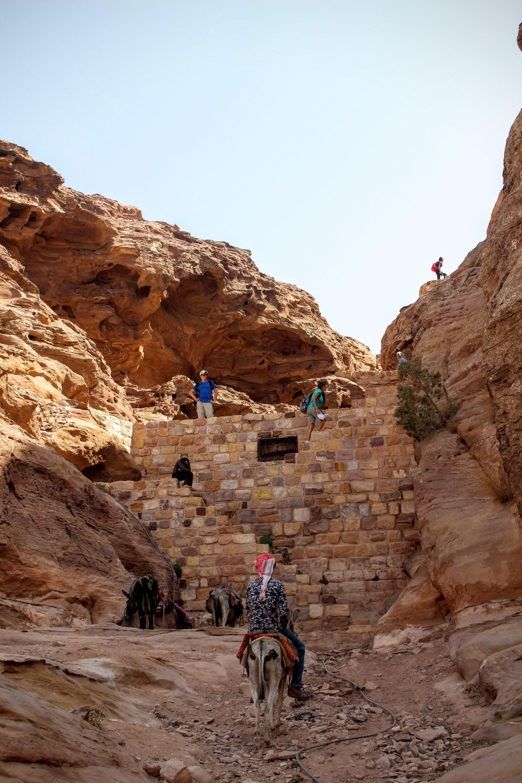 Stairs up to the peak oh Jabel Haroun